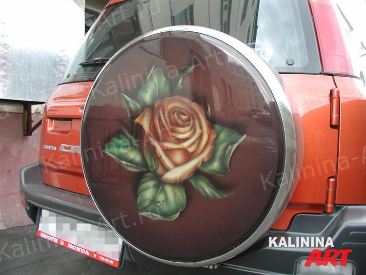 Honda crv - Заказ выполненный на чехле запасного колеса. Для женщины. Так же применяются трафареты.