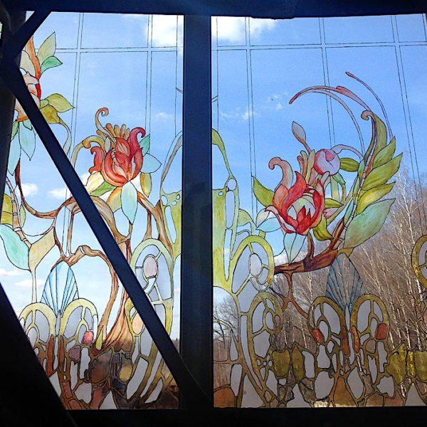 Художник рисунки на стекле