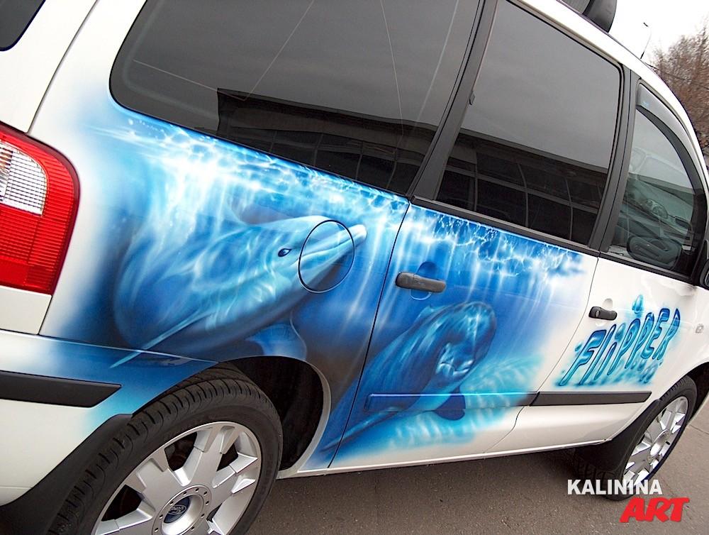 Аэрография автомобиля Ford - дельфины