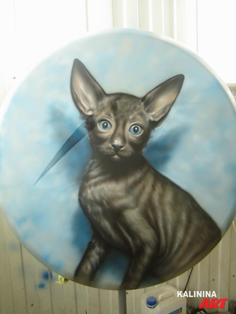 Аэрография на кожухе запасного колеса - кошка