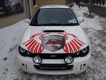 Рекламная аэрография на капоте Subaru