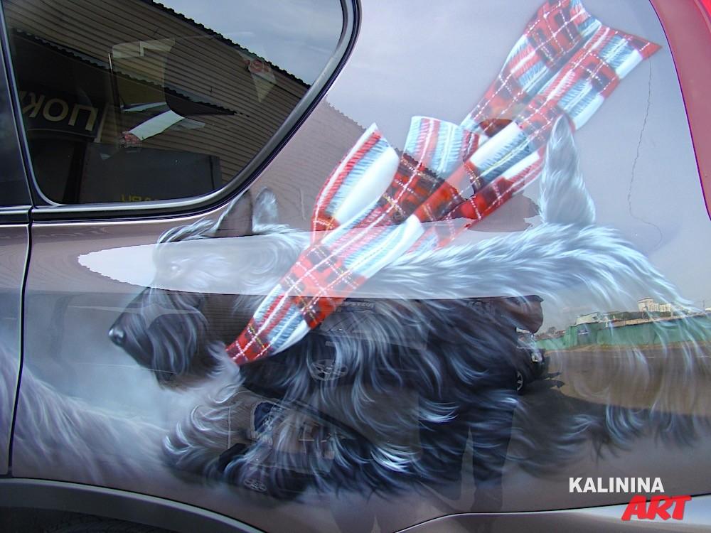 Аэрография Nissan X-Trail - изображение собаки