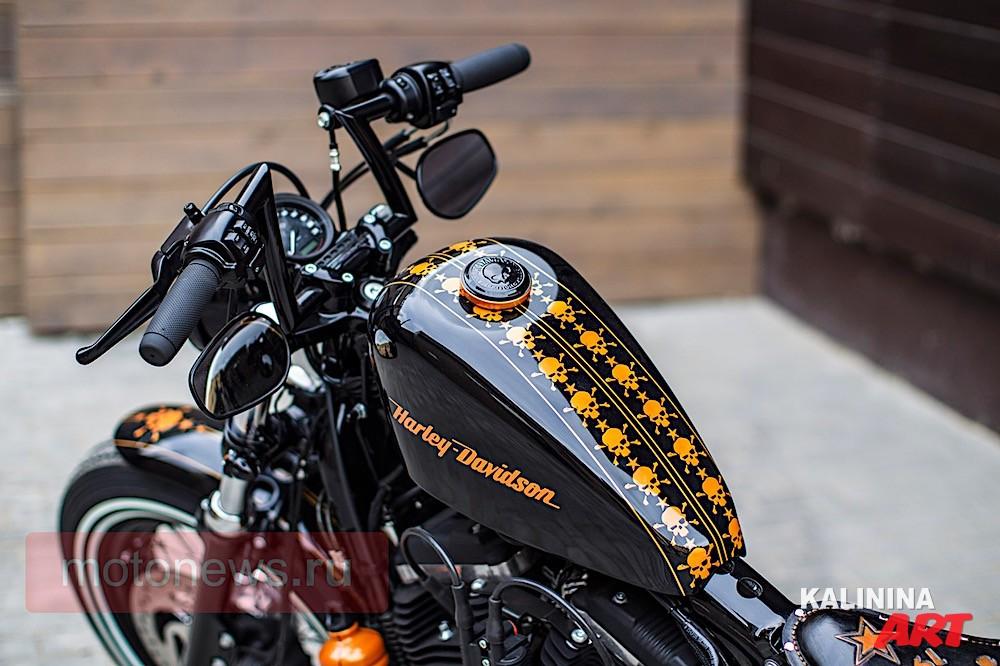 Рисунок на мото Harley Davidson - черепа