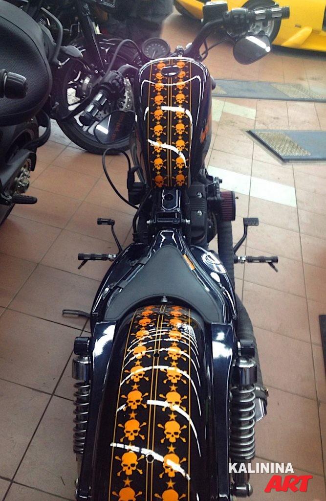 Рисунок на мото Harley Davidson